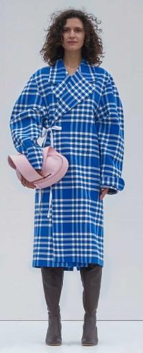 le-manteau-torchon-jacquemus
