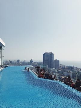 La piscine sur le toit <3