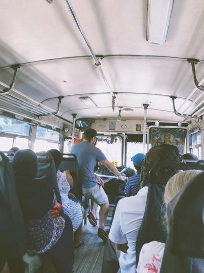 Le géant dans le bus :)